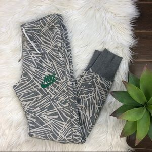 [Nike] Grey White Green Joggers Casual Pants XS